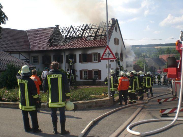 Wohngebäudebrand in Desloch